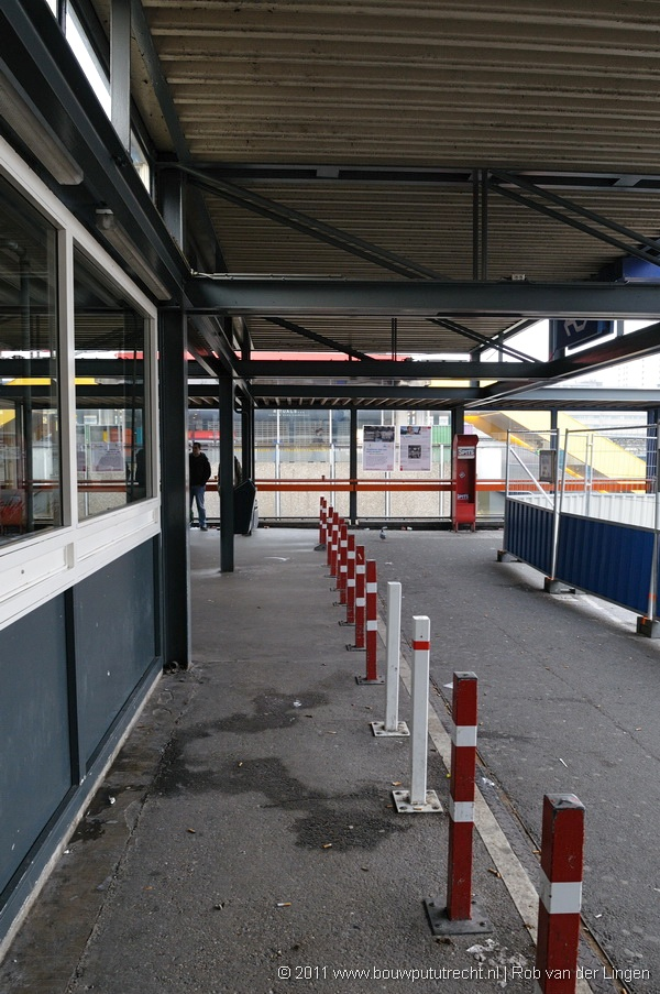 StationExterieurBusTaxi 7
