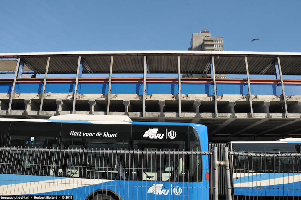 BusstationPlateau 1