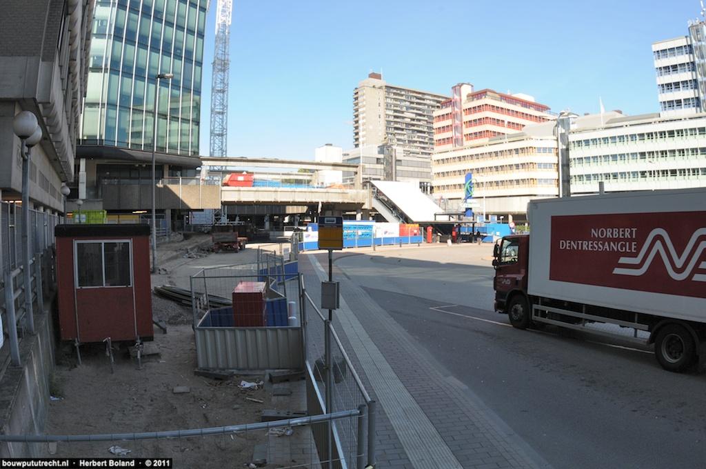 BusstationPlateau 14