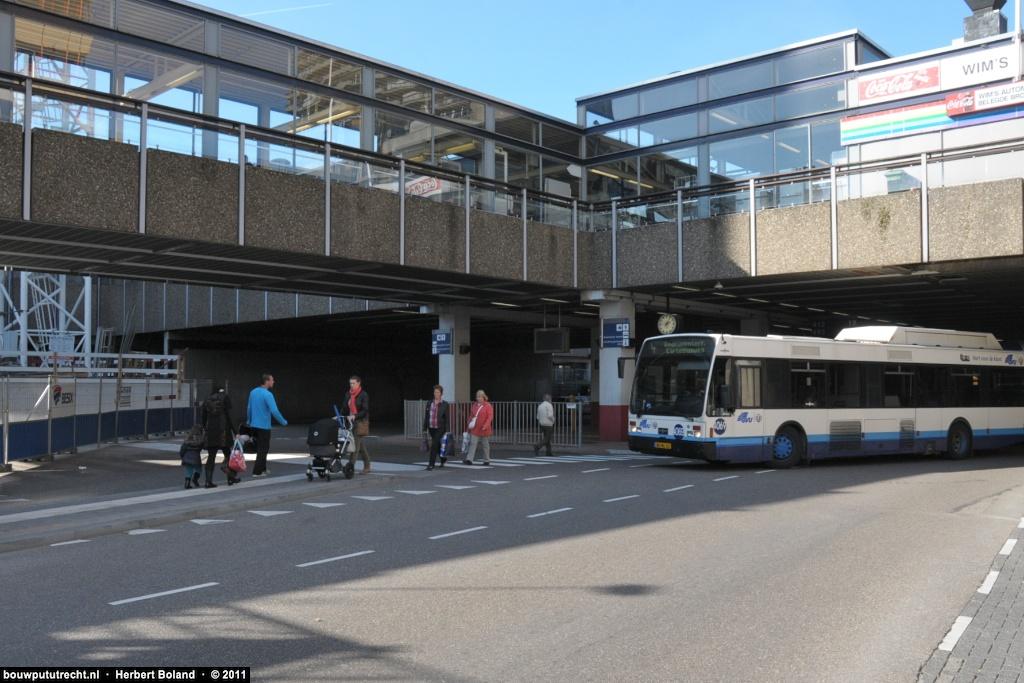 BusstationPlateau 23