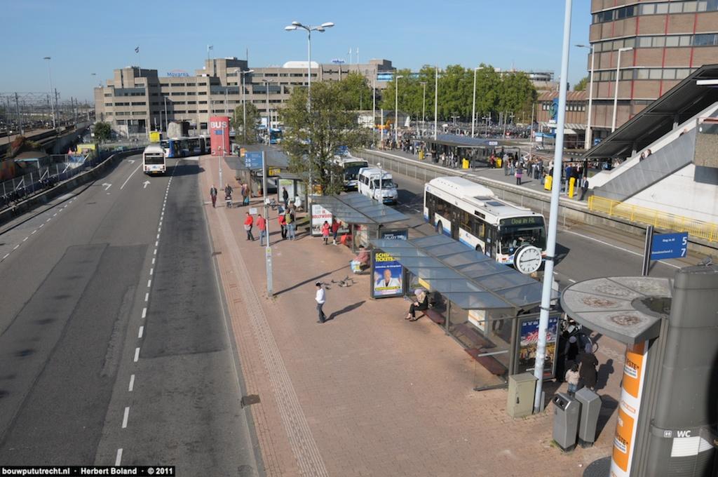 BusstationPlateau 30
